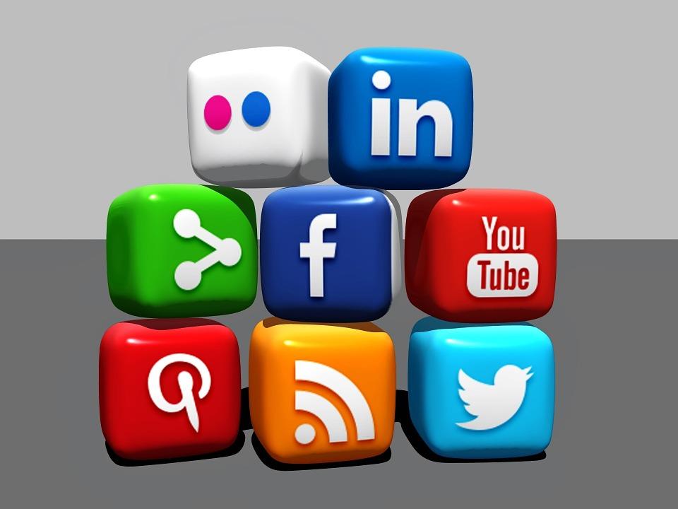 social media cách kéo traffic 5 Cách Để Kéo Traffic Mà Không Cần SEO