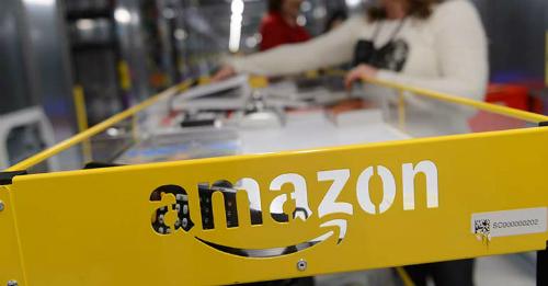 Ước khoảng 200 doanh nghiệp Việt Nam có bán hàng trên Amazon. Ảnh: EPA